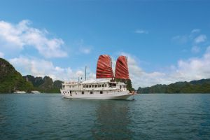 Hanoi - Halong - Sapa Superior Tour