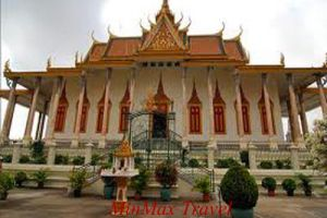 Phnom Penh And Temples