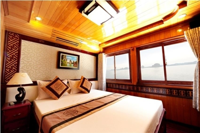 White Dolphin Cruise 4 Cabins