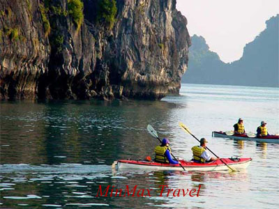 Kayak in Ha Long